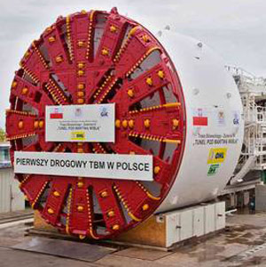 OHL (client) and GIK (owner) representatives take delivery of the 12.56m TBM for Gdansk, Poland