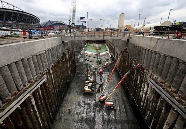 Secant piles clearly visible in the SR99 launch pit