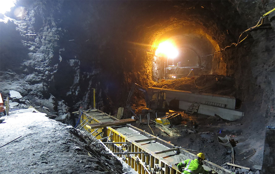 Construction of the bridge deck in the Byhaug Tunnel