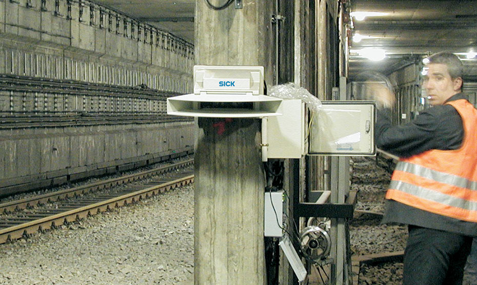 Installing a Sick laser scanner system to protect a metro tunnel