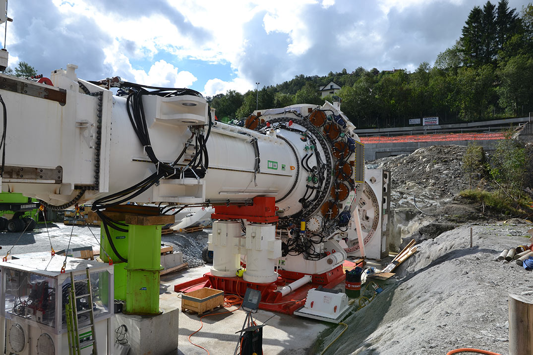 Assembly of the 9.33m gripper TBM in late 2015